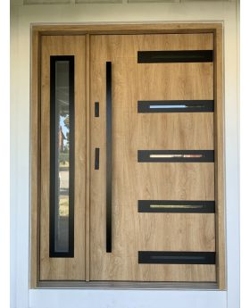 Fargo 39 A DB - entrance door with side panel